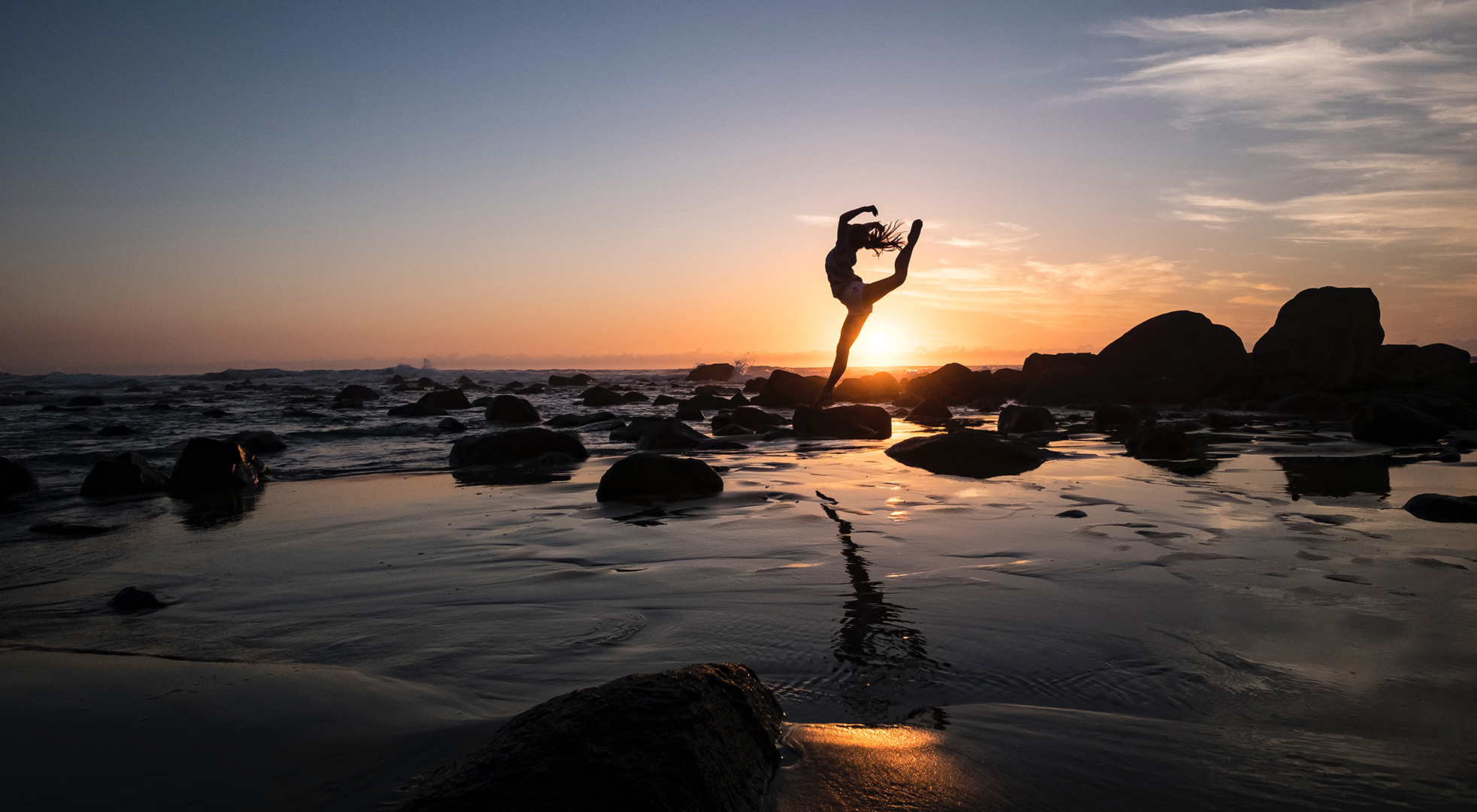 TelMD wellness user depicting balanced life and enjoying the sunset